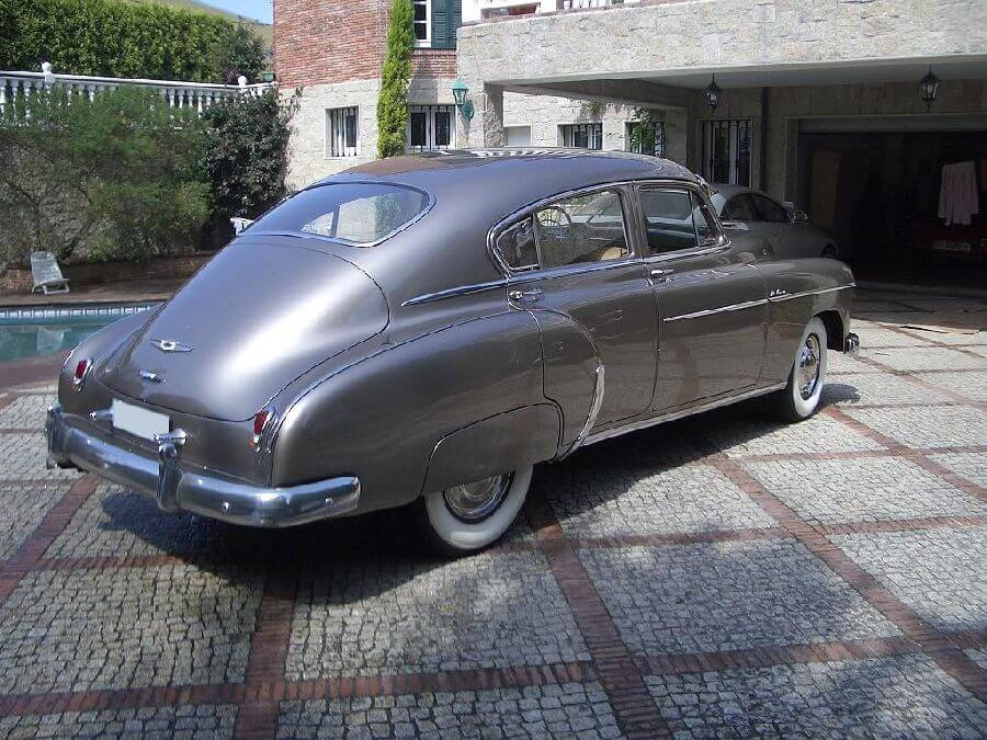 Chevrolet-Fleetline-1949-5