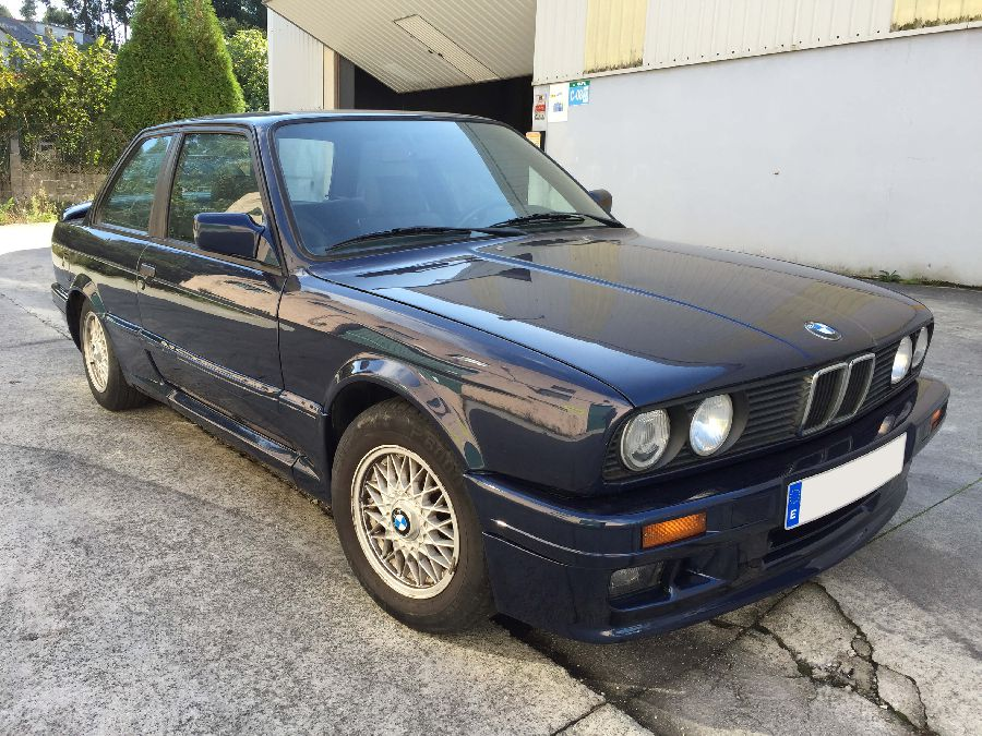 BMW-318-IS-Coupe-1990-1