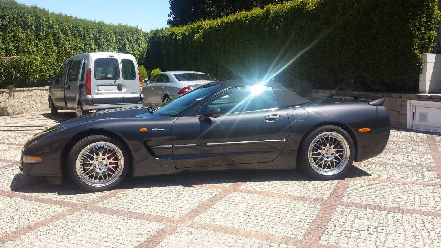 Chevrolet-Corvette-Convertible-1999-5