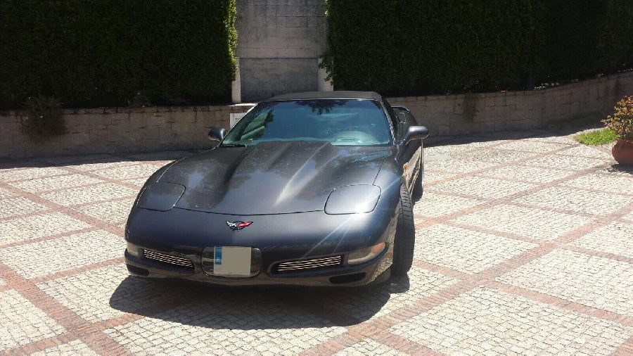 Chevrolet-Corvette-Convertible-1999-6