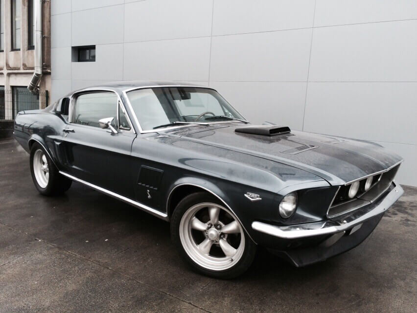 Ford-Mustang-Fastback-negro-1967