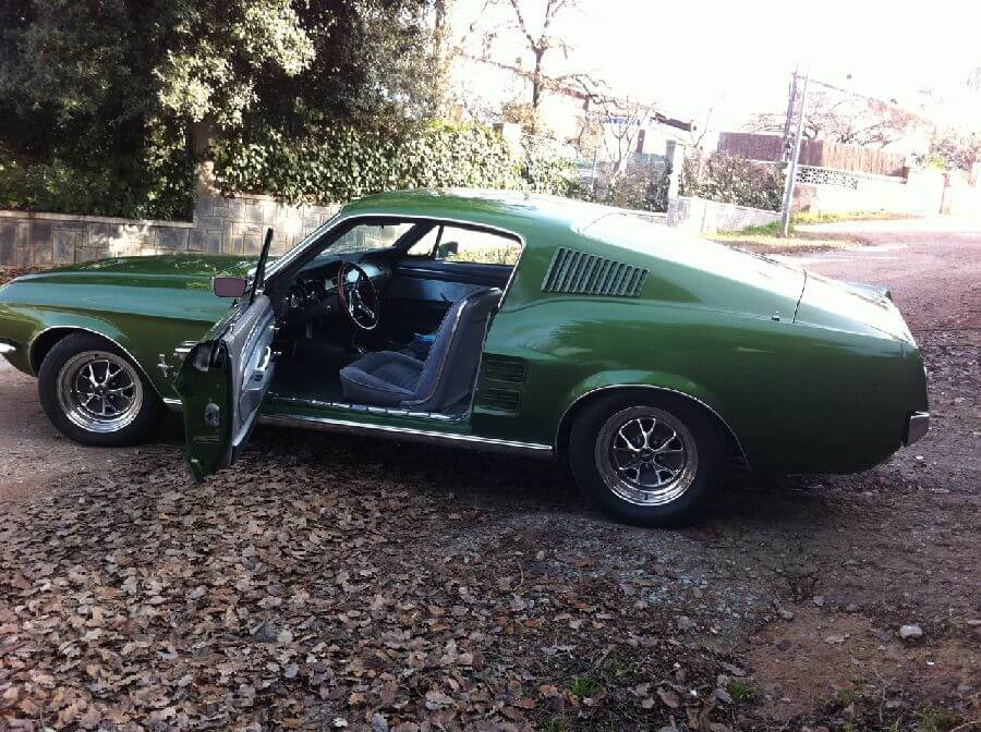 Ford-Mustang-Fastback-verde-1967-6